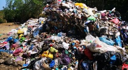 Primăria Panciu recidivează și sufocă orașul cu deșeuri aruncate ilegal