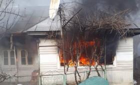 Pufești: Bătrân ars în casă