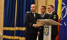 Doi tineri agenți declarați polițiștii anului 2017