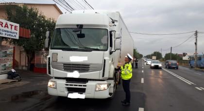 Poliția în acțiune! Transportatorii de mărfuri și persoane verificați în trafic