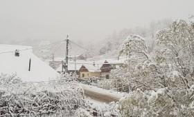 Prima zăpadă în zona de munte a Vrancei