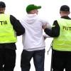 Urmăriţi pentru furt prinşi de poliţişti