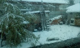 """Vrancea """"îngropată"""" în zăpadă la mijlocul lui aprilie"""