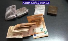 Tot mai mulți traficanți de droguri în Focșani. Vânzători de hașiș prinși în flagrant