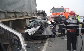 Ultima oră : Accident grav cu o mașină a armatei încărcată cu motorină