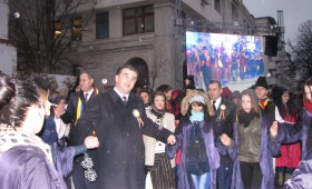 Ziua Unirii sarbatorita printre huiduieli, frig si lipsa de organizare