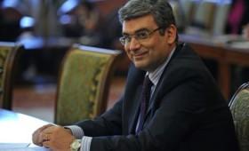 Ministrul Teodor Baconschi lansează carte la Focșani