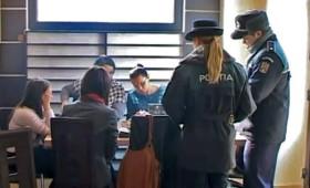 Poliţia de proximitate luptă împotriva absenteismului şcolar