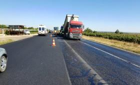 Se asfaltează drumul E 85. Vor începe și lucrările de consolidare ale DN 2 M