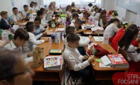 """Bătaie de joc! Elevii de la Școala """"Ion Basgan"""", din săli de clasă în… dormitoare, din cauza incompetenței administrației PSD"""