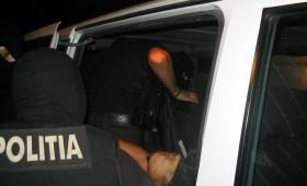 Producători de alcool percheziționați de polițiști