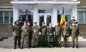 Ambasadorul Marii Britanii în vizită la Brigada 8 Larom