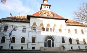 """Universitatea din București și Universitatea """"Al. I. Cuza"""" din Iași vor înființa centre de învățământ superior la Focșani"""