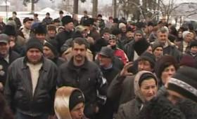 Sătenii de pe Valea Rîmnicului protestează împotriva desfiinţării spitalului