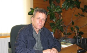 Omul sfinteste locul : Drumuri asfaltate, scoli moderne si locuri de munca in Dumbraveni