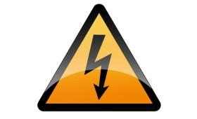 Electrocutat în timp ce fura